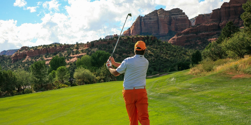 flying with golf clubs without a travel bag